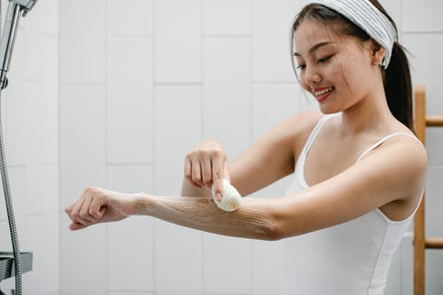 Top 3 skin-friendly reasons to include bath bombs in your daily routine